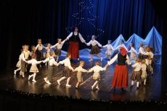 """Tautisko deju kolektīva """"Vilnītis""""un viņu draugu koncerts """"Pirms Ziemassvētkiem"""". 16.12.2019."""